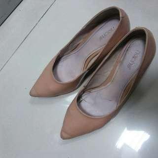 Noche shoes ukuran 40