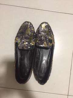 CHARLES AND KEITH FLAT (41)