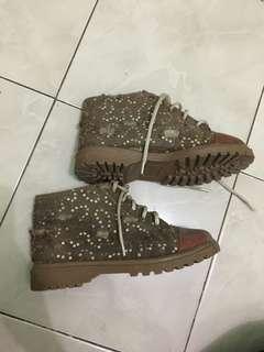 Boot coklat