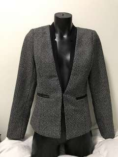 Size 8 black and white blazer business office wear