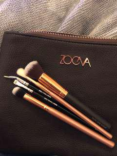 Zoeva 5 brushes + pouch