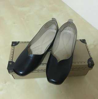 Kagui flat shoe