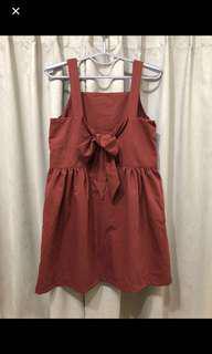 🚚 磚紅小露背綁帶洋裝