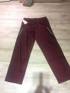 🚚 Hollway肯亞製造內裡薄刷毛運動褲腰圍鬆緊平量32吋,褲長103cm,小腿肚側邊有拉鍊設計