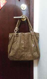 手袋可上膊 handbag/shoulder bag