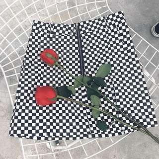 🚚 棋盤黑白格A字裙