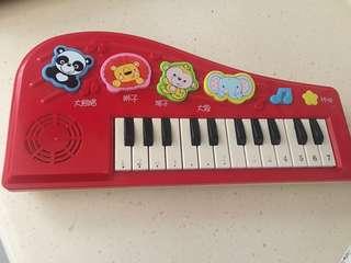 發聲玩具琴