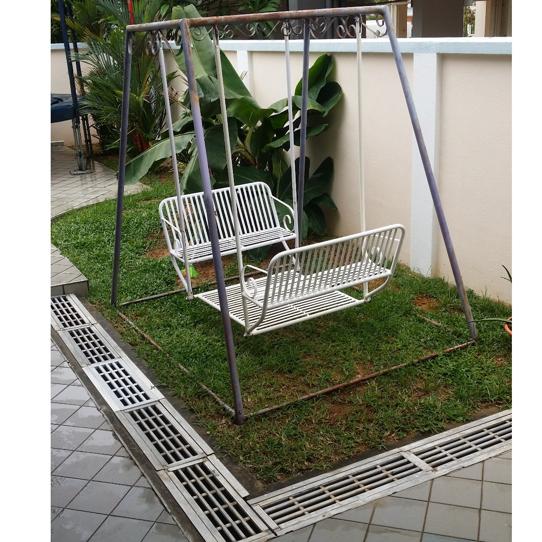 4 Person Metal Swing Furniture Others On Carousell