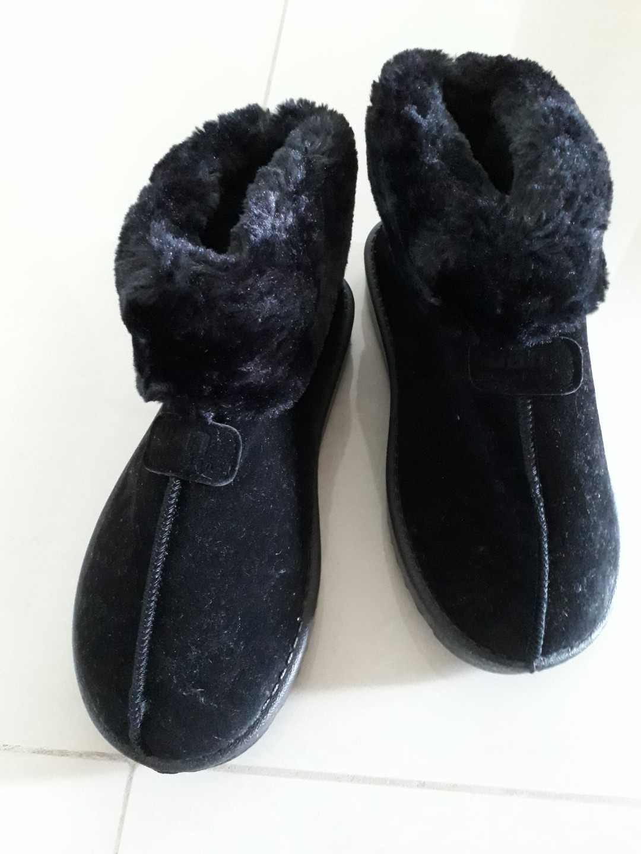 e67f5401f2d Black Winter Shoes (38 size)