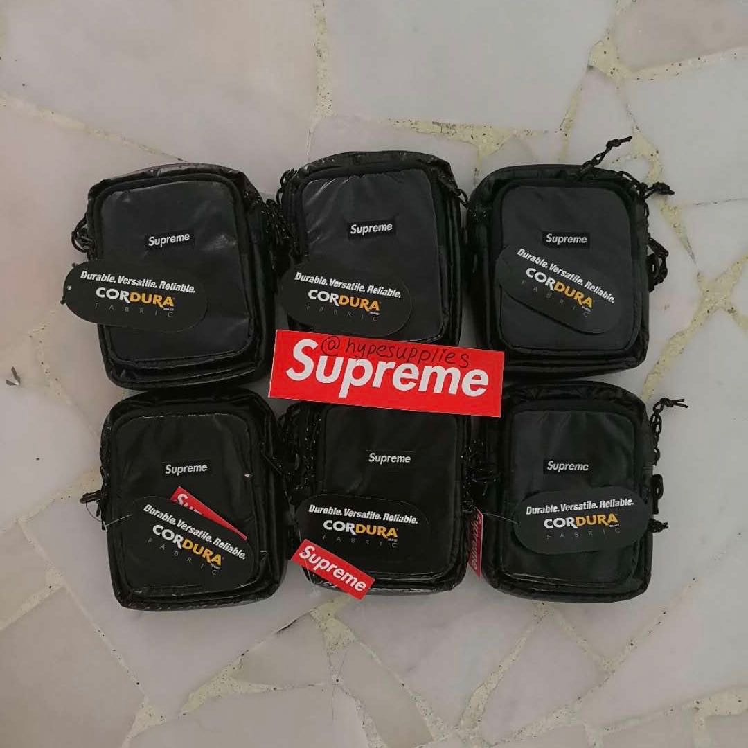 313ef30056 INSTOCK 📈 Supreme FW17 Shoulder Bag