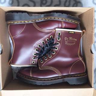 Dr. Martens Airwair Capper