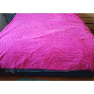 BRIGHT PINK COMFORTER KING SIZE SOFT