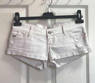 HOLISTER LOW-RISE DENIM SHORTS