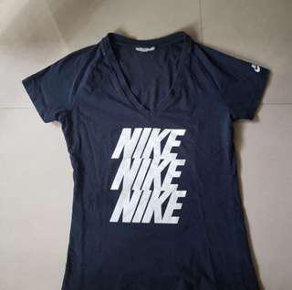 Nike深藍V領T恤