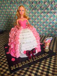 Barbie Kek Tarik Duit