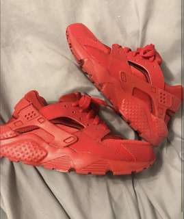 PRICE DROP Red Huaraches 5.5Y