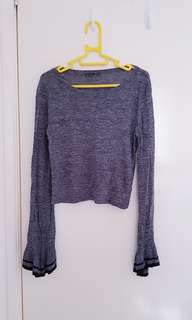 Cropped grey jumper with bell sleeves