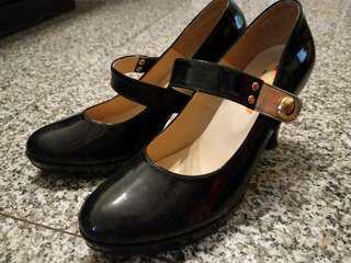 🚚 《🚫免運費》黑色高根鞋24.5