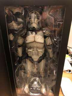 MIB Sideshow Wolfpack Clone Trooper