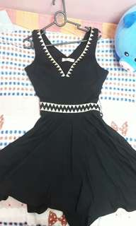 Backless dress (Black)