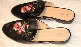 Boohoo Woman Black Loafer Mule Shoes Size US9/UK7