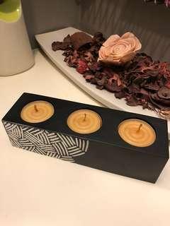 Modern tealight candle holder