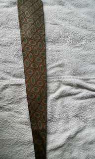 男性名牌領帶