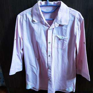 Pink 3/4 or 1/2 sleeved shirt. Foldable sleeves