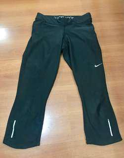 Nike 7/8 pants tight