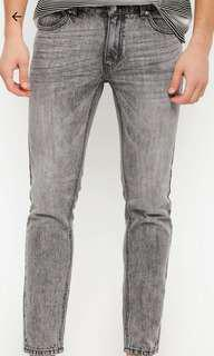 NEW slim fit stonewashed denim jeans