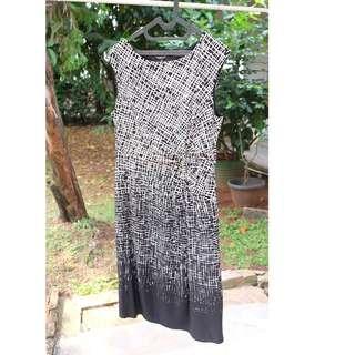 black white abstrak dress