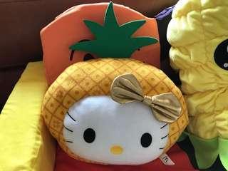 Hello Kitty 暖手枕公仔 mcdonalds