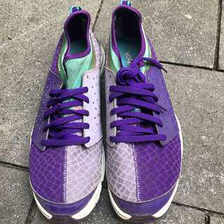 REEBOK purple training shoes