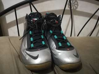 Nike Chuckposite Basketball shoes Size 10