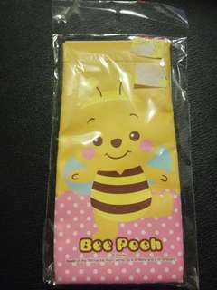 小熊維尼 Bee Pooh 眼鏡袋 電話套 化妝袋 文具袋 電子產品 3c袋 Winnie the Pooh 非 Hello Kitty Snoopy Melody 唐老鴨 跳跳虎