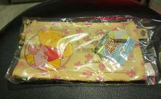 小熊維尼 Bee Pooh 筆袋 化妝袋 文具袋 電子產品 3c袋 Winnie the Pooh 非 Hello Kitty Snoopy Melody 唐老鴨 跳跳虎