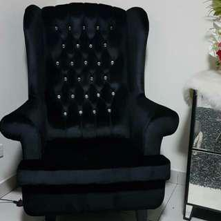 Wing Chair tip top condition
