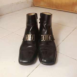 Salvatore Ferragamo Black leather Boots 方頭短靴