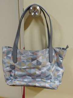 Tumi preloved bag (authentic)