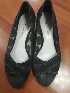 Black shoes Anne klein size 7