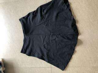 Uniqlo 半截裙 (黑色)