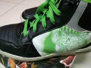 Transformer sneaker