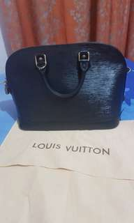 Authentic Louis Vuitton Epi Alma