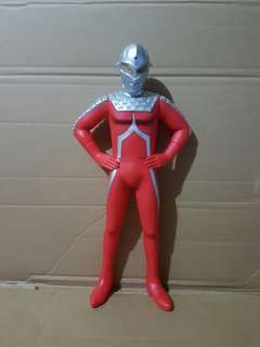 ULTRAMAN 17.5 INCHES