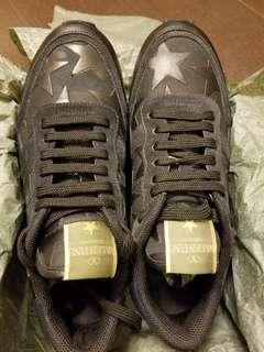 🆕 Valentino 黑色星星sneaker