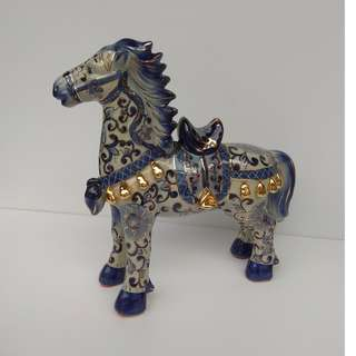 Sculpture Porcelain Cavalry Horse Ornamental Statue Pea-Green Glaze with Gold