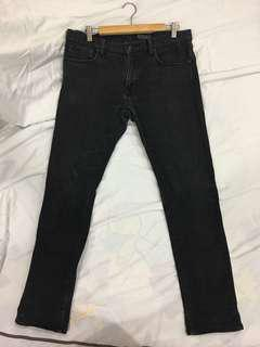Uniqlo Selvage W33 Slim Fit Black Jeans