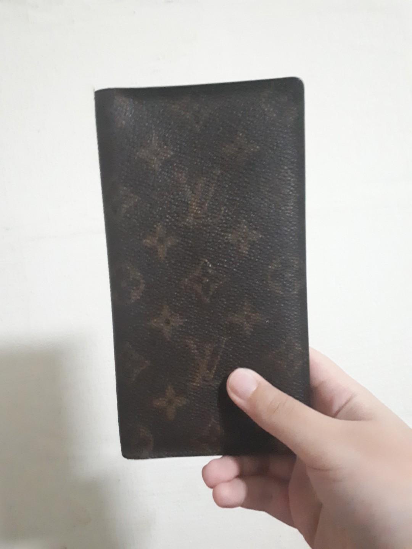 2e376509a98c Authentic LV Louis Vuitton Long Wallet