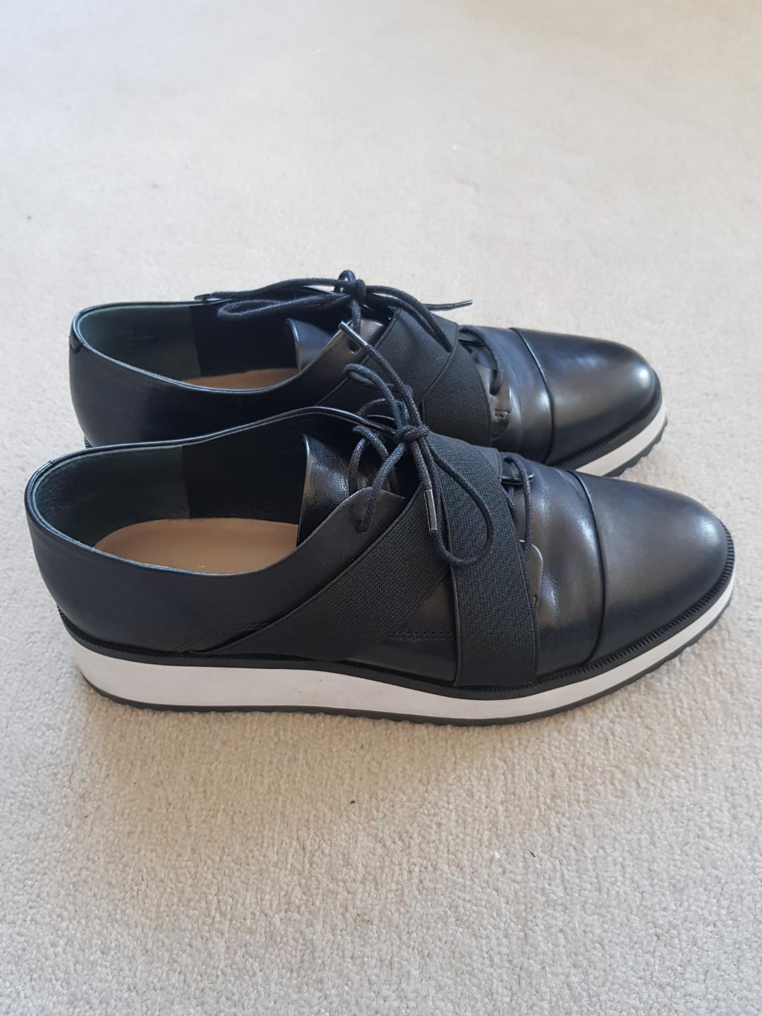 Black leather shoes - Wittner size 39