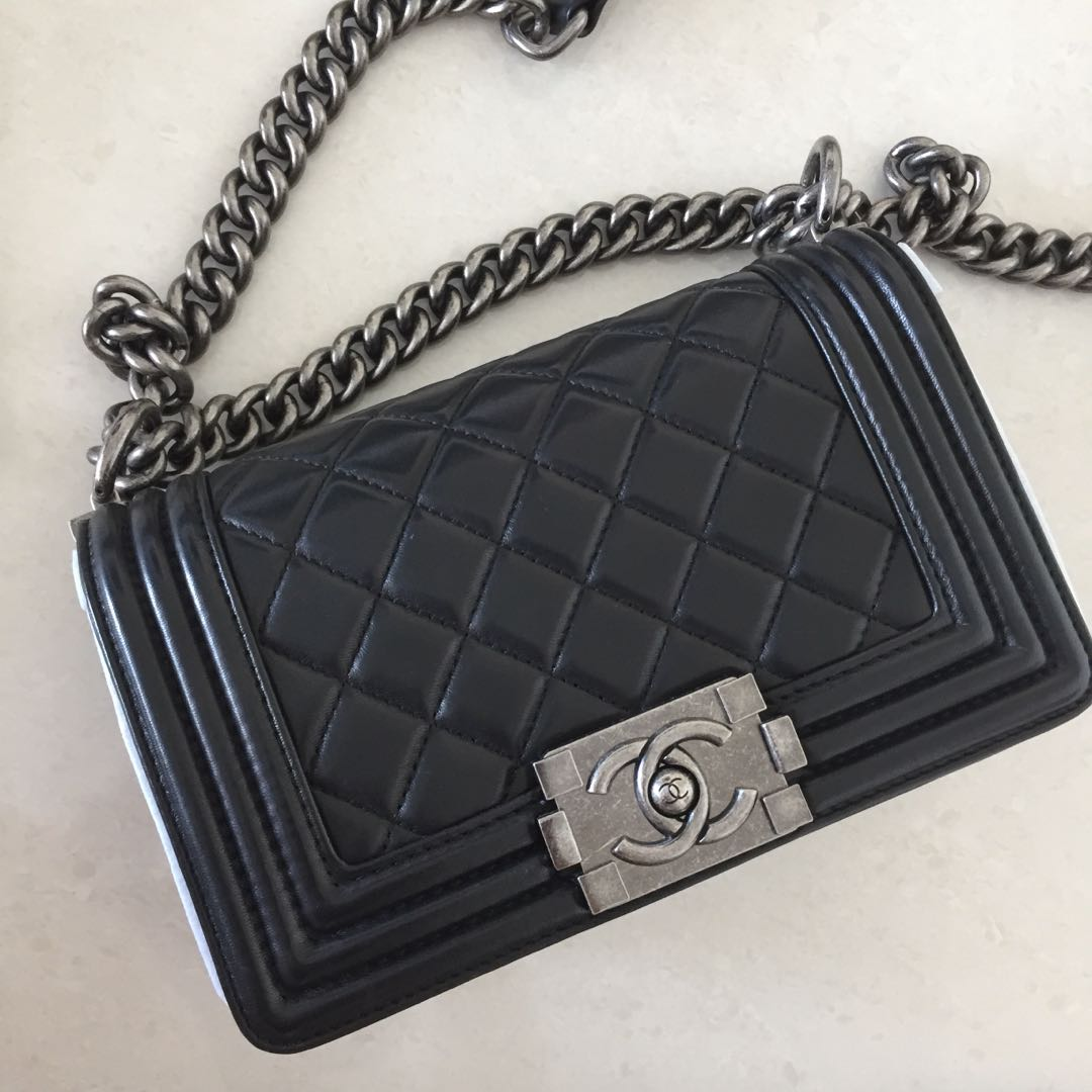 0779715e97e7 Chanel Boy, Women's Fashion, Bags & Wallets, Handbags on Carousell